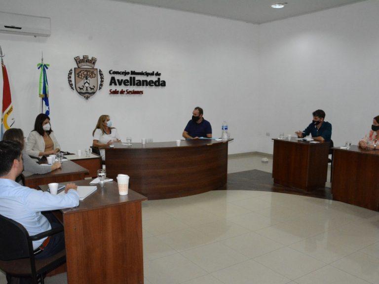 LOS CONCEJALES DE AVELLANEDA JUNTO A DIRECTIVOS DEL SAMCO LOCAL EVALUARON LOS AVANCES DE LA VACUNACIÓN POR COVID-19 EN LA CIUDAD