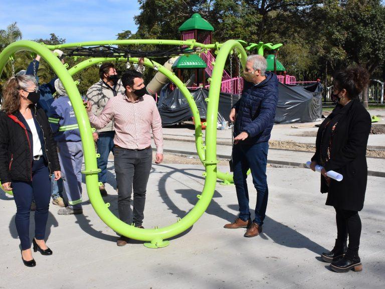 """Remodelación de la Plaza central de Avellaneda: """"Avanzamos con la creación y puesta en valor de espacios verdes"""", destacó Scarpin"""